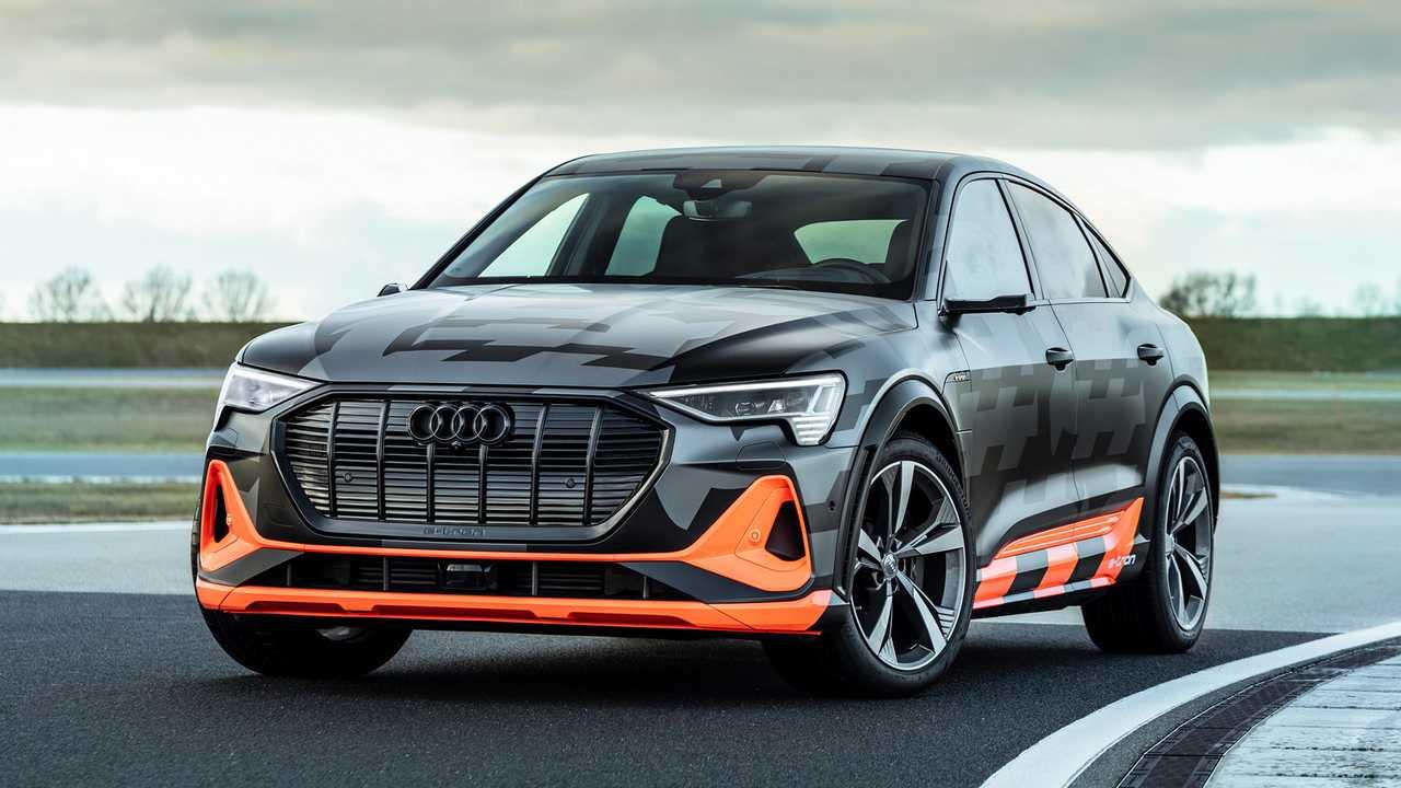 Audi E-Tron в сравнении с BMW iX xDrive50