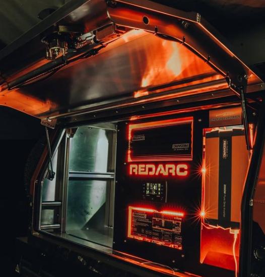 автодом Redarc Toyota Tacoma с мини-электростанцией